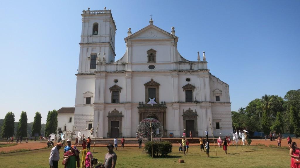Prachtvolle Kirchen im Kolonialbaustil in Old Goa