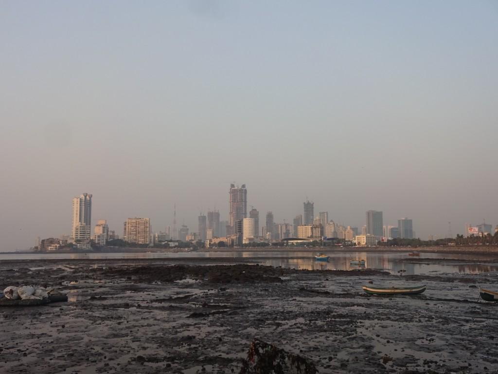 Die Skyline der Metropole Mumbai